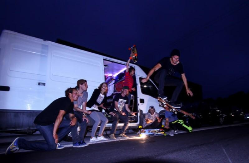 surfivor-surf-camp-skate