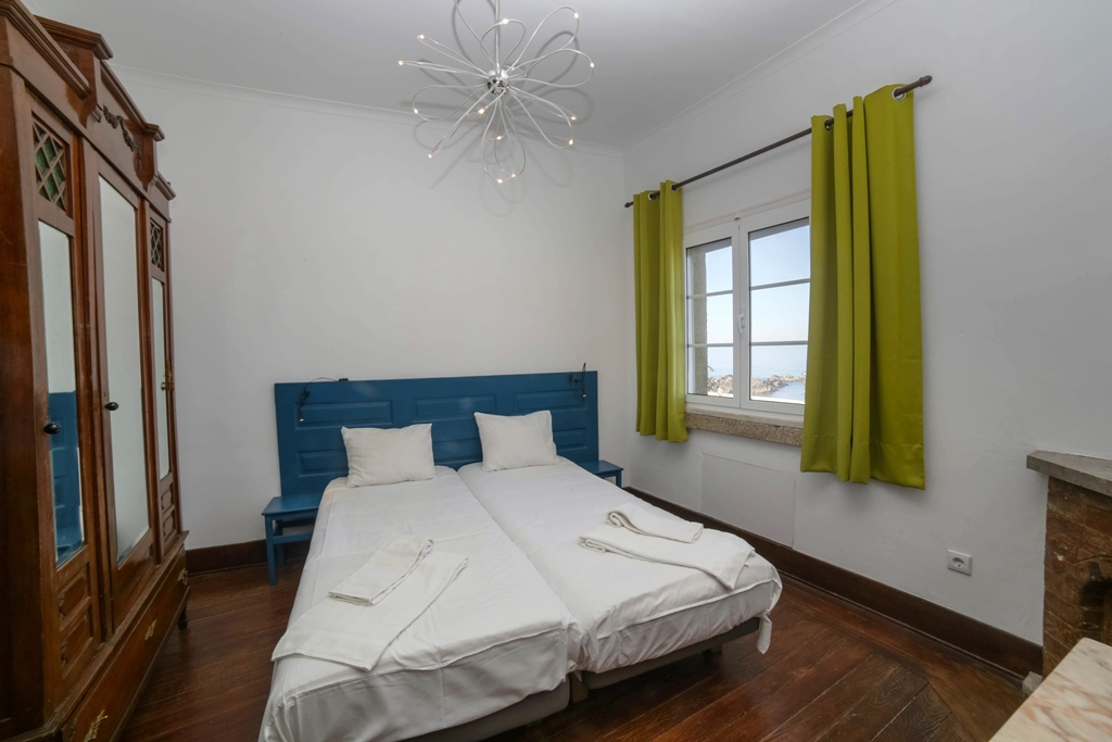 double room with ocean view at Surfivor Porto Surf Hostel