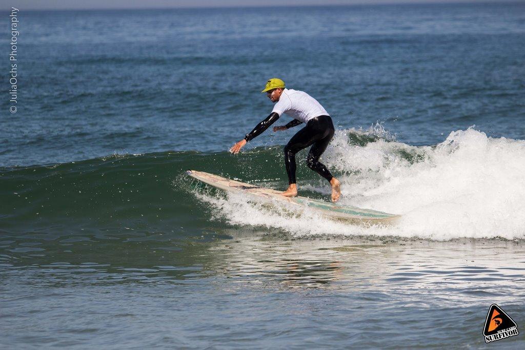 Wellenreiten auf einer grünen Welle