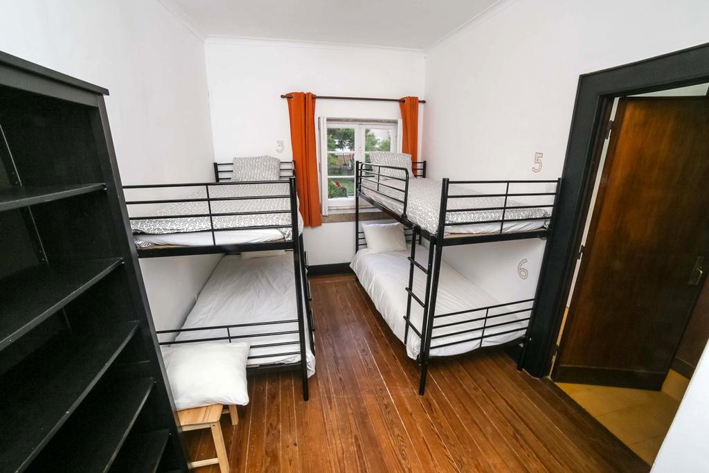 Zimmerbeispiel Dorms Porto Surf Hostel