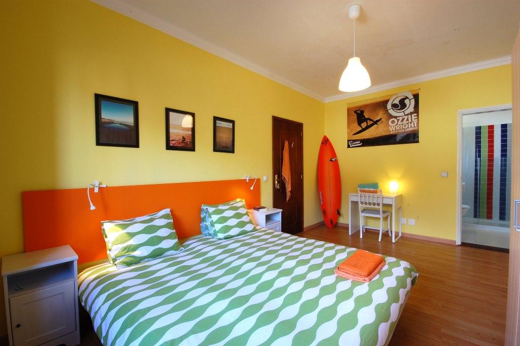 Suite mit großem Doppelbett, Badezimmer und Zustellbett (optional)