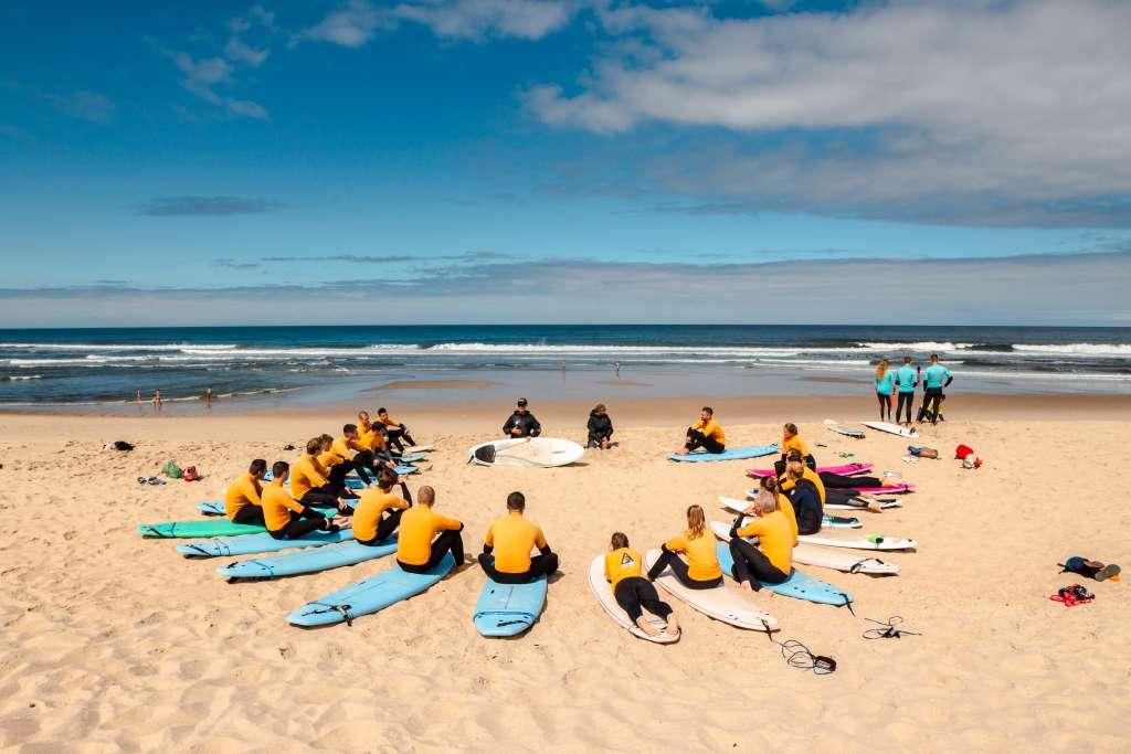 surf camp & school esmoriz porto portugal surf lesson