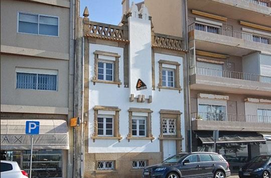 Porto hostel front